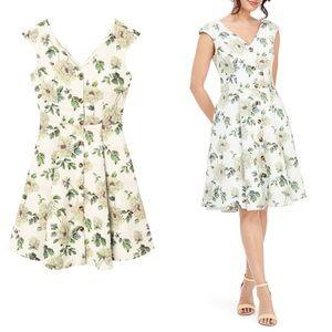 BNWT Gal Meets Glam 'Lilly' Dress